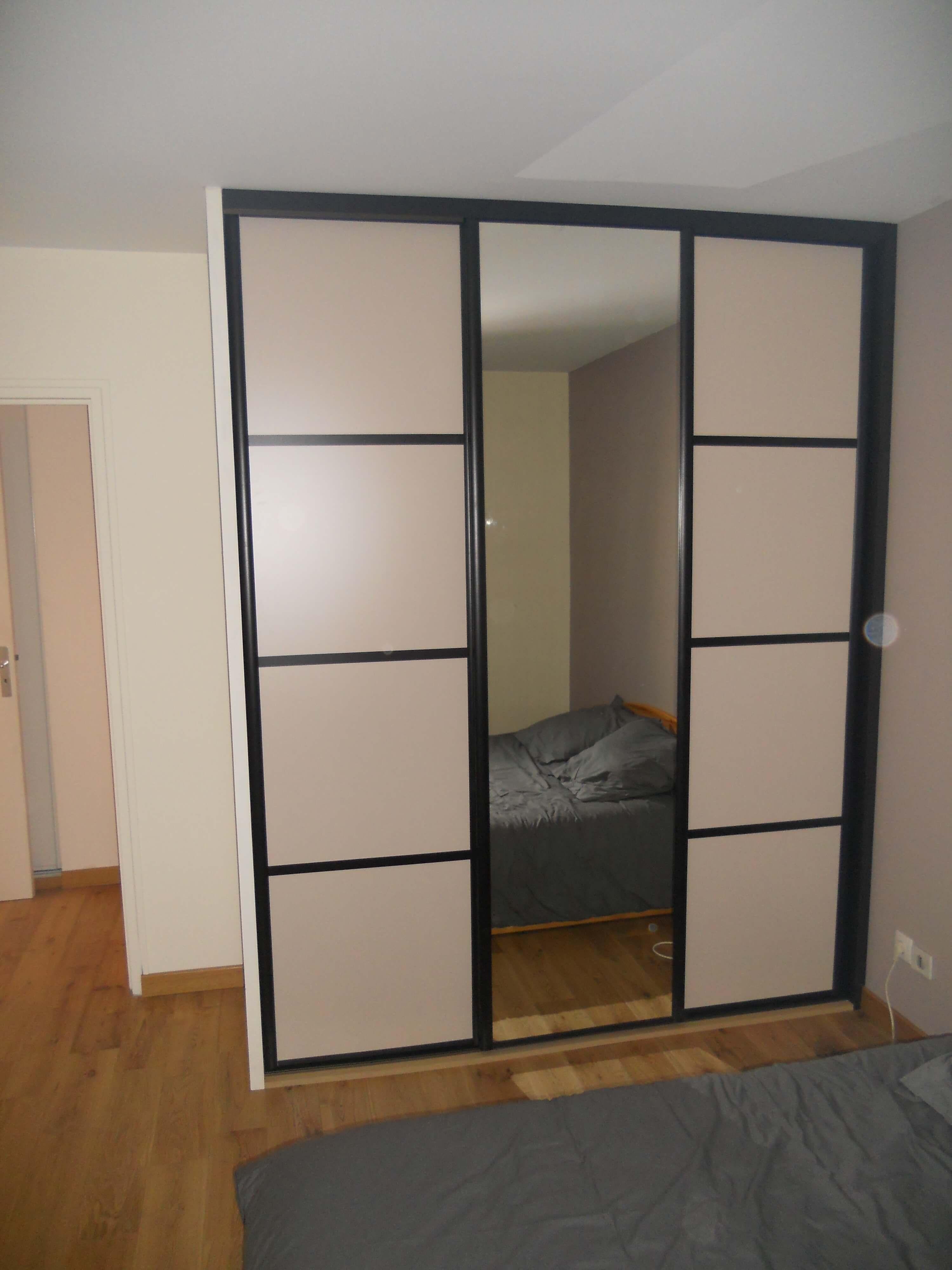 fa ades pour portes coulissantes espace placard. Black Bedroom Furniture Sets. Home Design Ideas