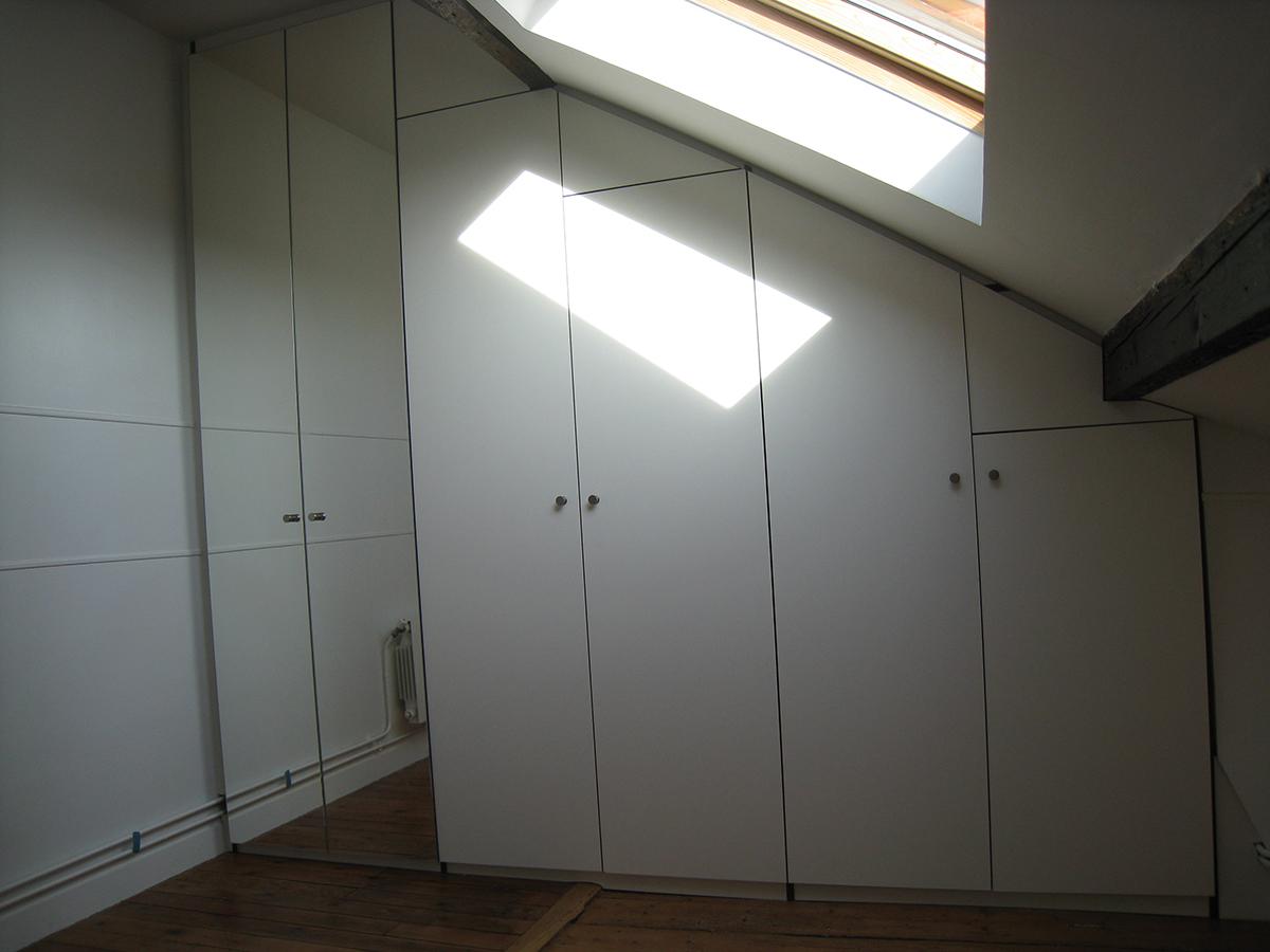 espace-placard-sous-pente-1