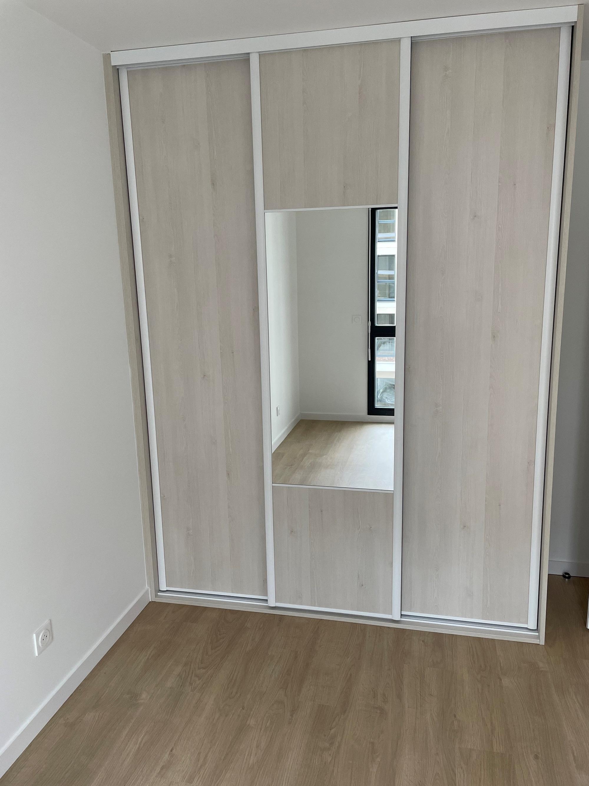 espace-placard-portes-coulissantes-1-1